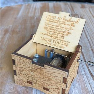 New keepsake tiny music box to HUSBAND love WIFE
